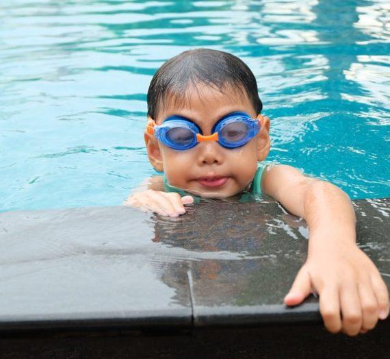 Manfaat Berenang Pada Bayi