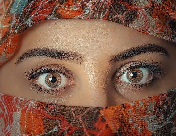 Fakta Tentang Eye Floaters dan Flashes